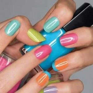 635457289940142825-1851201568_How-To-Choose-The-Right-Nail-Polish-Color